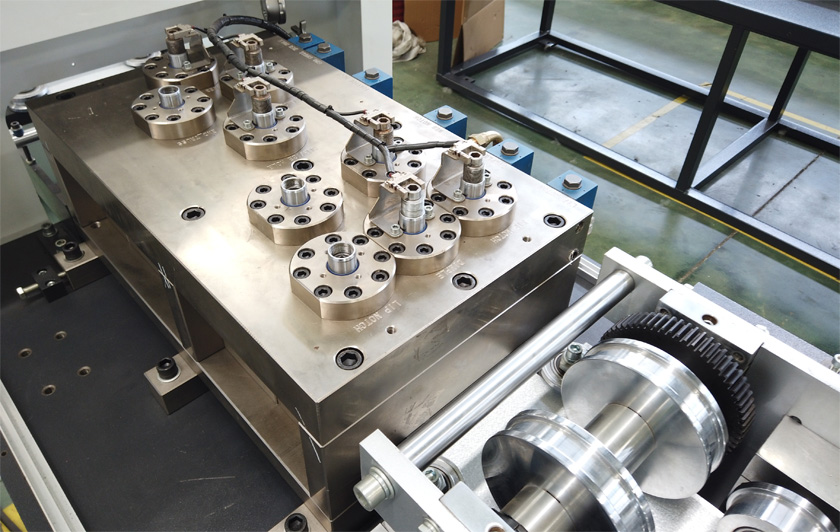 punching unit for light gauge steel machine